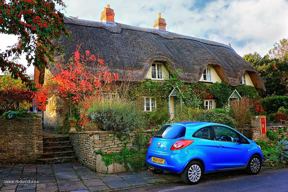 Деревня Лэкок, Котсуолдс, Англия.