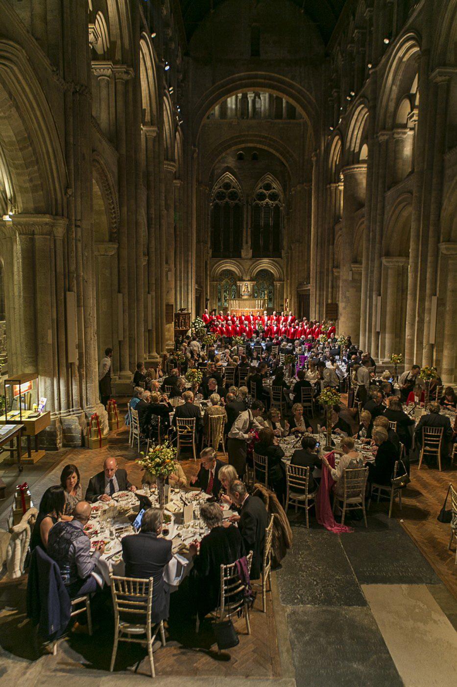 Рождественский благотворительный ужин, Аббатство Ромзи, графство Хэмпшир, Англия