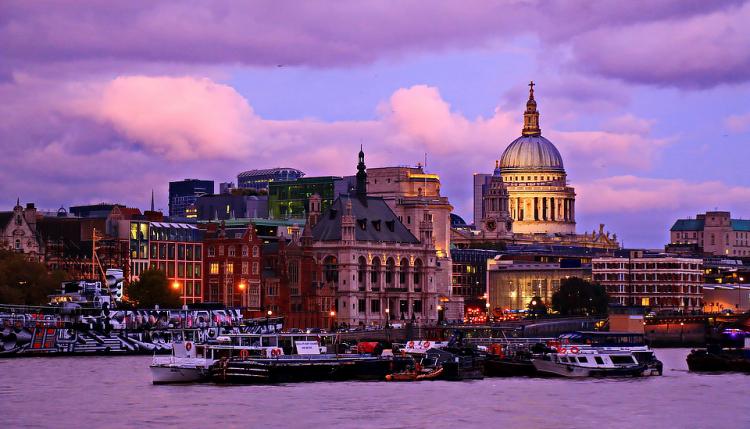 Лондон, Англия. Вид на Собор Св.Павла.