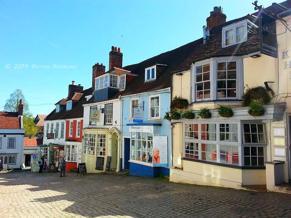 Старинная улица Quay Hill, г. Лимингтон, Новый Лес, графство Хэмпшир
