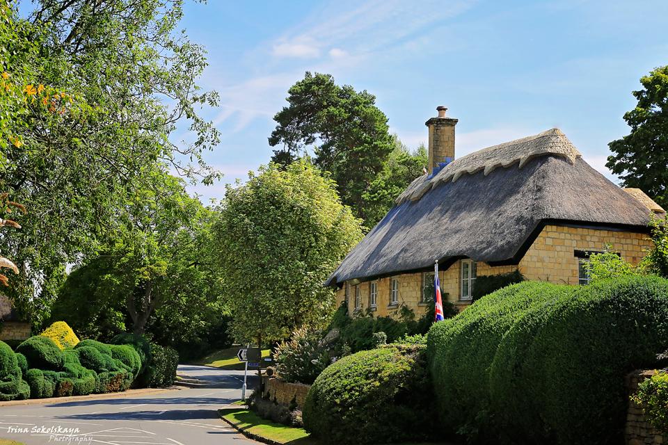 Дом с соломенной крышей в городе Чиппинг Кэмпден, Котсуолдс, Англия