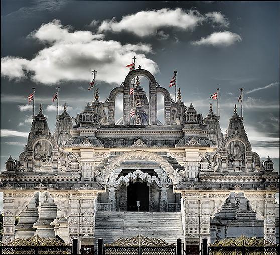 Индуистский Храм Шри Сваминараян, Лондон, Англия.