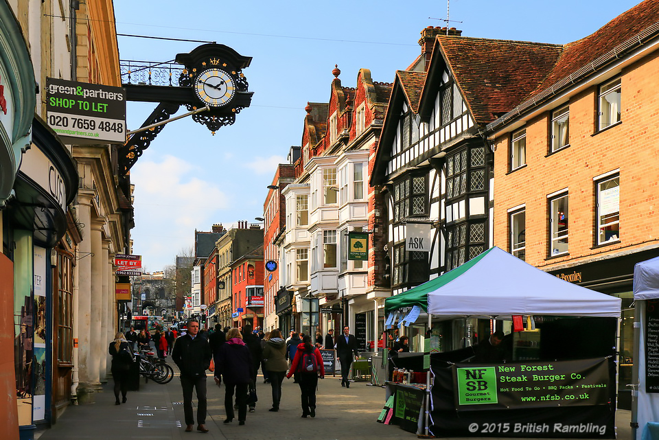 Главная улица Уинчестера, High Street, Англия.