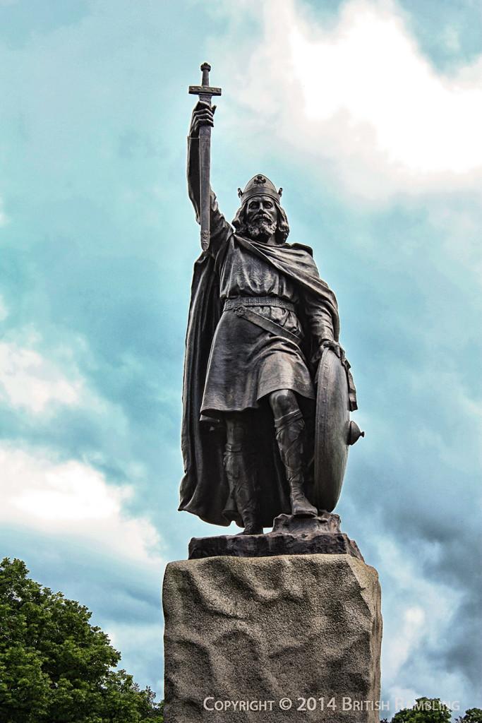 Статуя Короля Альфреда Великого в Уинчестере, Англия.