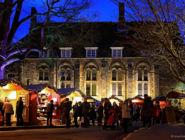 Рождественский рынок в Уинчестере, графство Хэмпшир, Англия